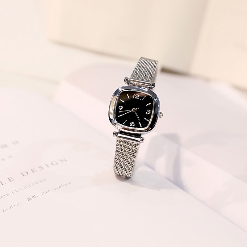 Antique Chinese style watch for female students in Fengsen college RETRO art simple small watch