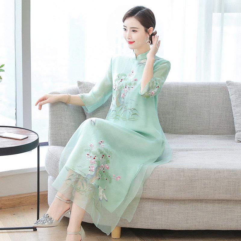 改良连衣2021夏季新款胖刺绣长中国民族风大码装