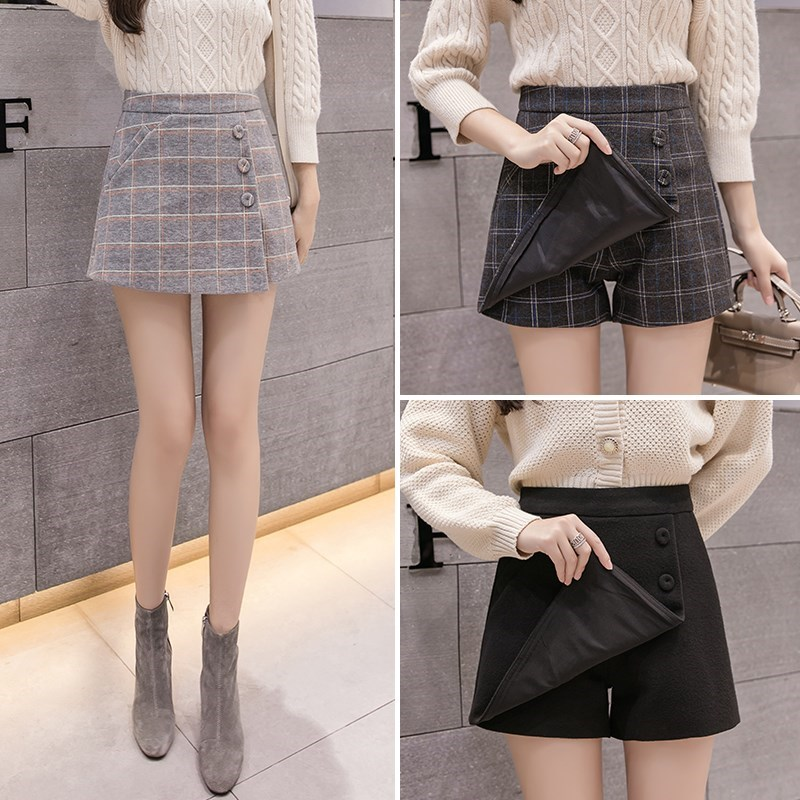 Plaid Shorts for women in autumn and winter of 2019