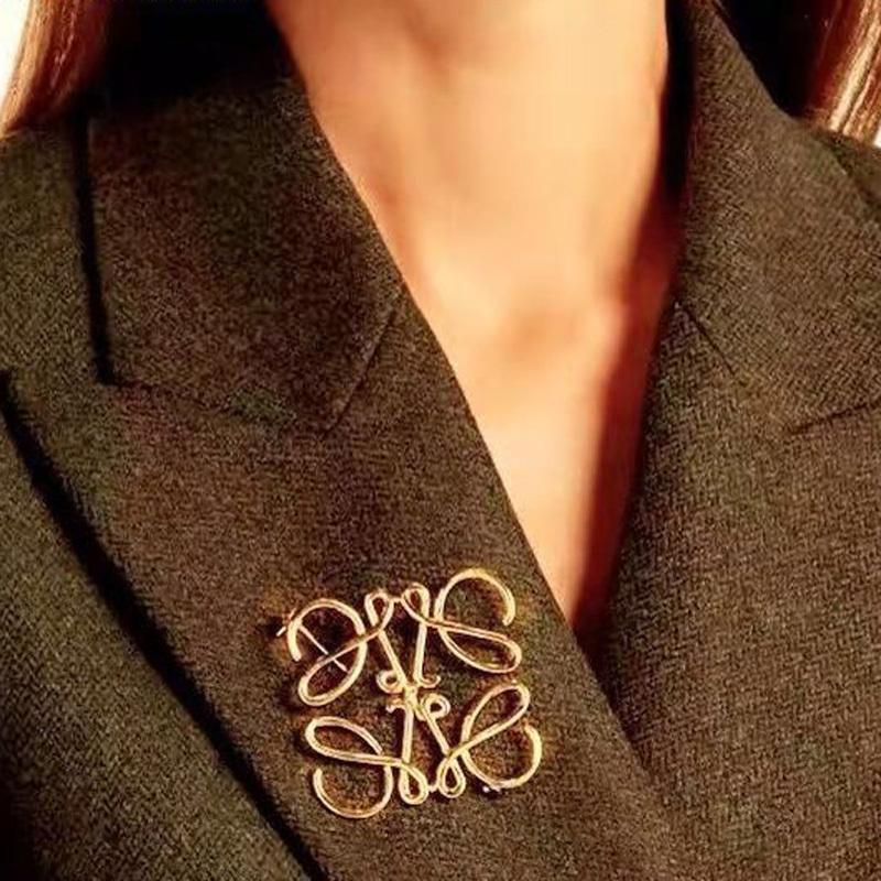 秋冬新款别针几何毛衣抽象复古胸花胸针女开衫扣方形镂空