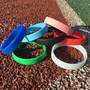 潮牌彩色夜光硅胶手环纯色学生男女情侣篮球运动能量橡胶手腕带
