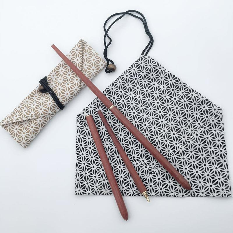 Solid wood red sandalwood folding chopsticks, portable two chopsticks, outdoor tourism, environmental protection, health and hygiene, tableware separately packed