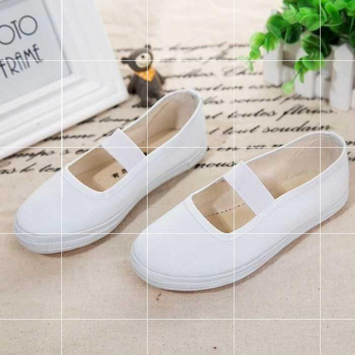 Simple art kindergarten canvas white shoes children primary and secondary school students leisure girls indoor classic Beibei shoes low.