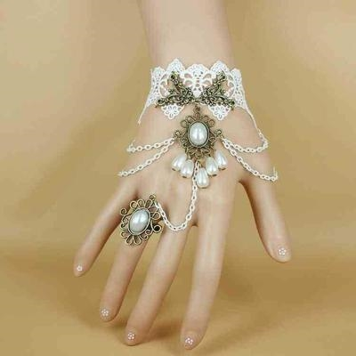 Japanese and Korean retro sweet lace multi-layer bracelet ring a-finger one-piece chain performance womens bracelet Lori brides wedding hand