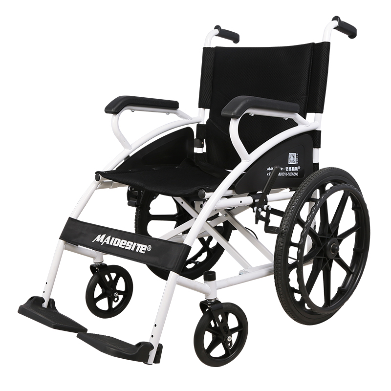 マイドスト車いす折りたたみ型小型高齢者の手で車椅子を押して携帯すると超軽量旅行になります。
