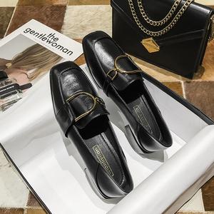 领5元券购买黑色英伦风2020春季新款方头小皮鞋