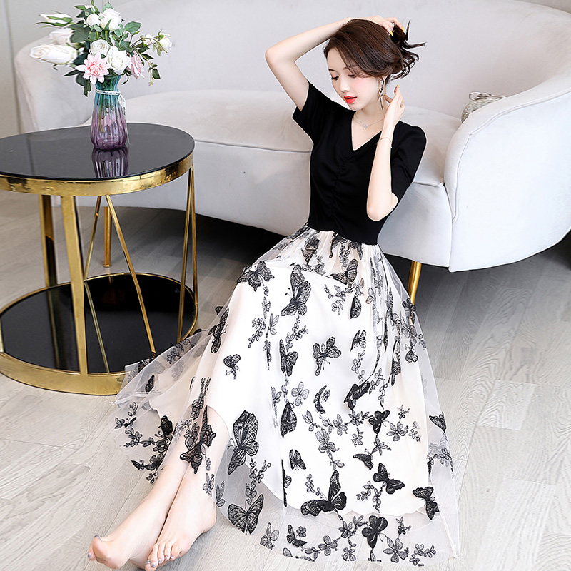 Temperament dress goddess model 2020 new summer Chiffon gentle wind floral French small crowd age show thin fashion