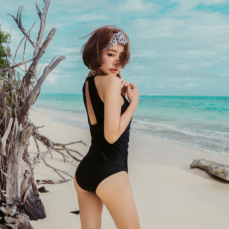 Binziman one piece swimsuit female conservative cover belly show thin chest gather sexy Korean beach swimsuit