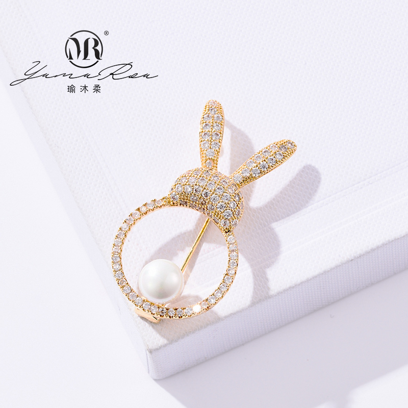 Fashion Japan and South Korea white haoins platinum rabbit lovely Brooch female luxury needle silk scarf buckle Brooch atmosphere