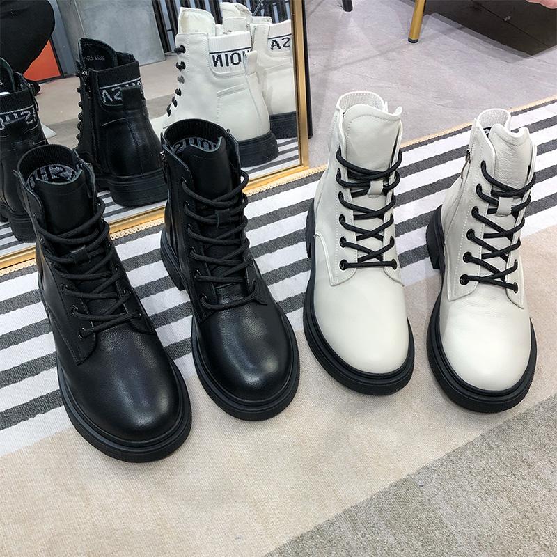 经典米奇2020秋季新款英伦风马丁靴女复古百搭时尚系带皮带扣短靴