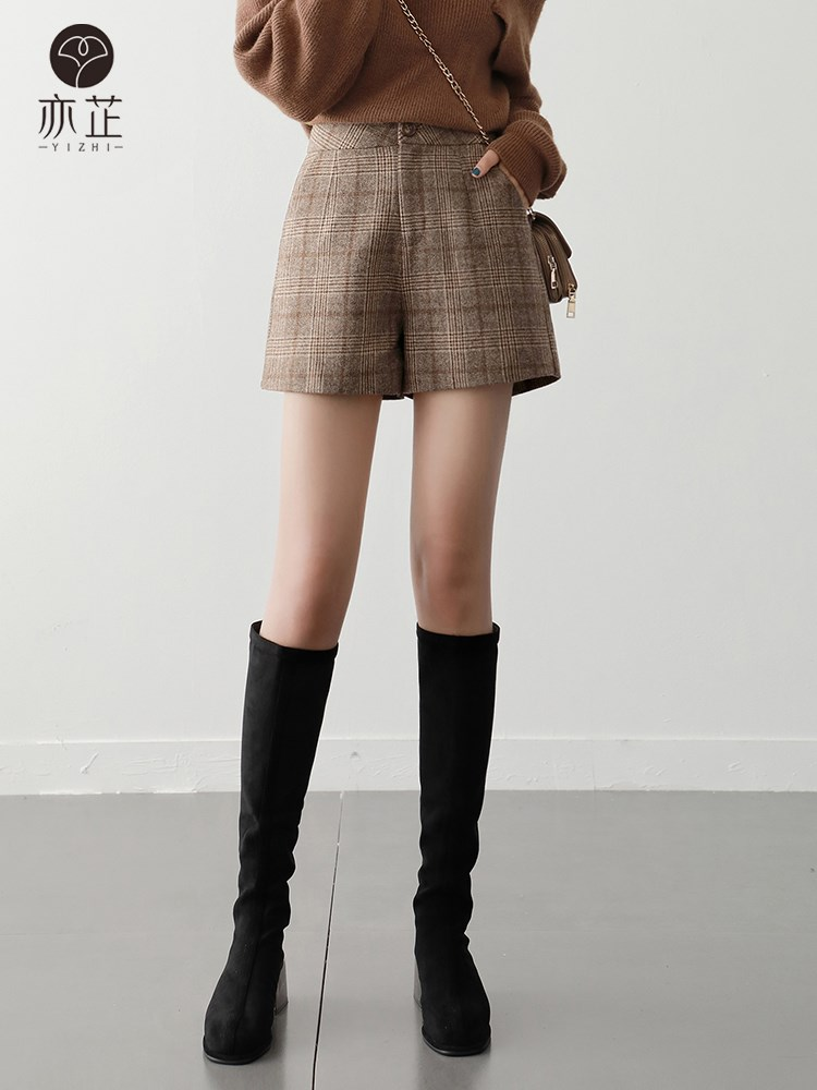 Plaid Wool shorts womens autumn and winter 2020 new style retro high waist versatile wear thin wool wide leg pants and boots