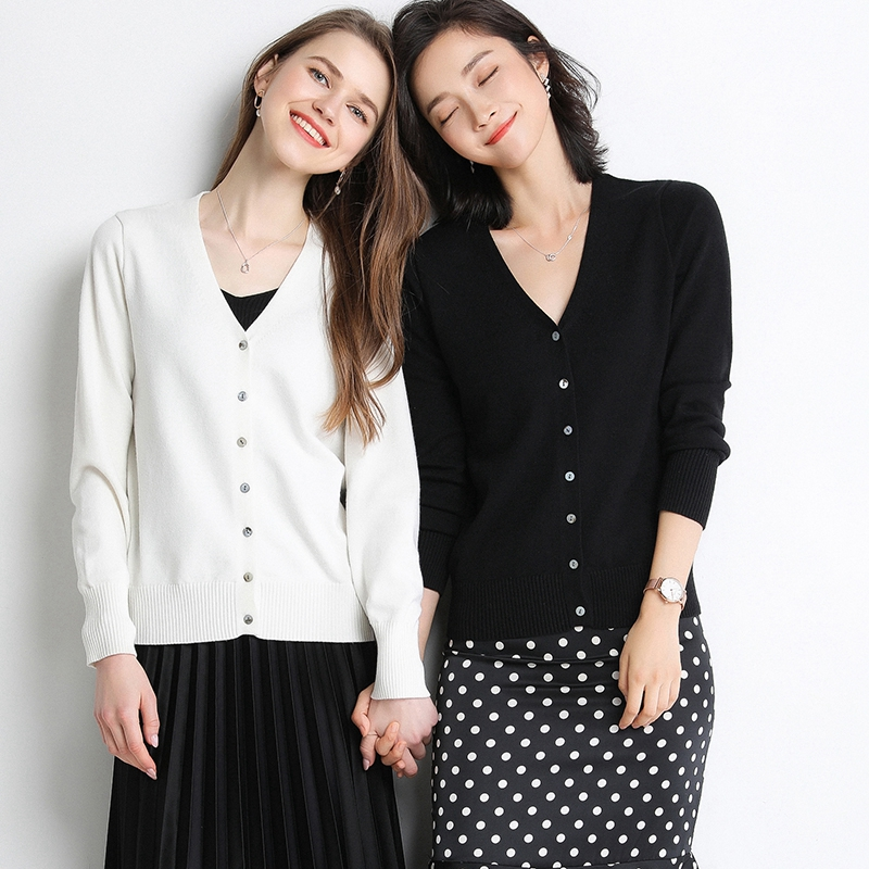 Moshu spring and autumn cardigan womens short style with V-neck thin loose knitted long sleeve sweater Korean jacket fashion