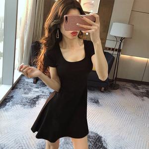 赫本风小黑裙短裙夏季新款心机夜场性感连衣裙减龄显瘦夜 店女装