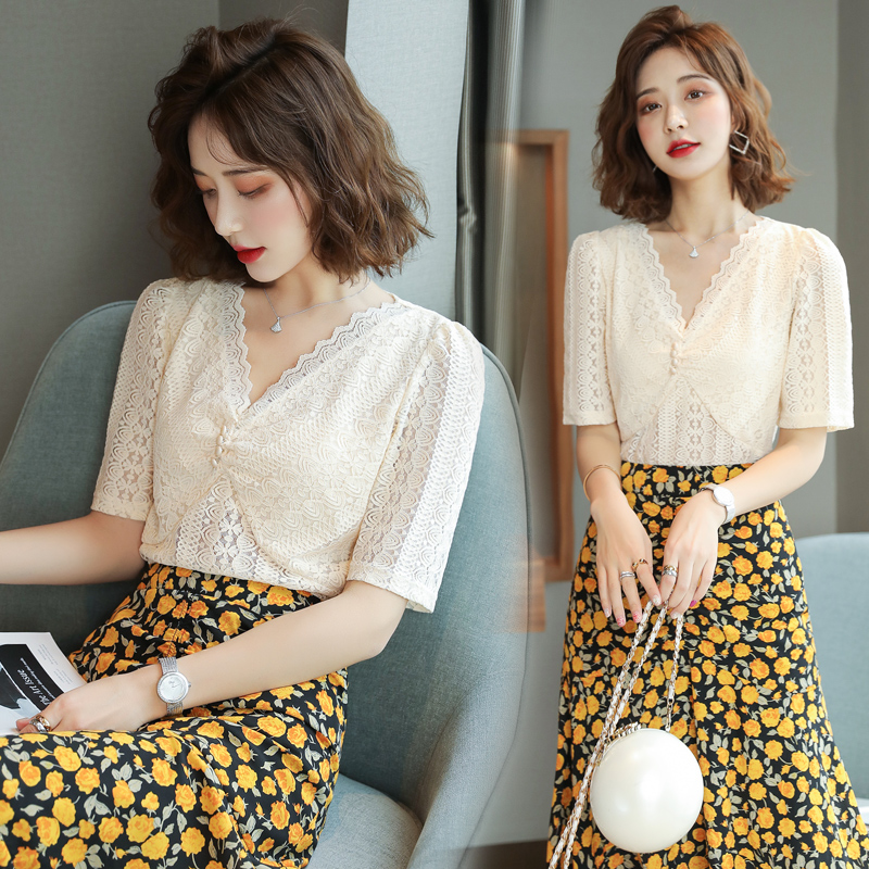 Lace lace top womens short sleeve 2020 summer new style foam sleeve hollow V-neck versatile thin 100 wear shirt