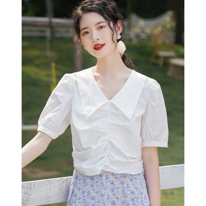 2020 summer new doll V-neck top French short sleeve pleated shirt female design sense small summer Korean