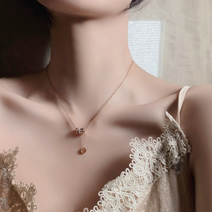 GR big river clavicle titanium steel chain for womens light luxury