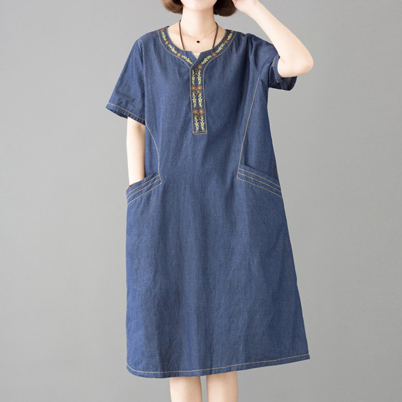 2020 summer new Korean version of loose meat covering temperament casual ethnic embroidery denim dress