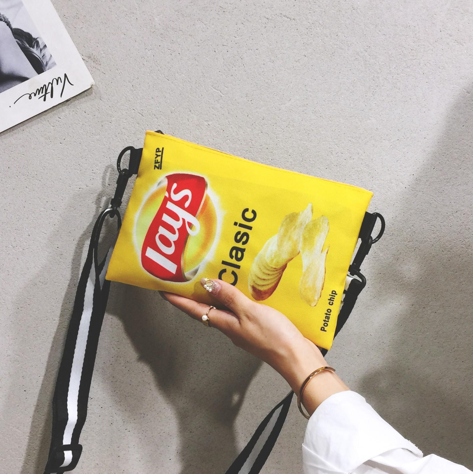 帆布搞怪小包包女包2020春款乐事薯片个性潮创意情侣款单肩斜挎包图片