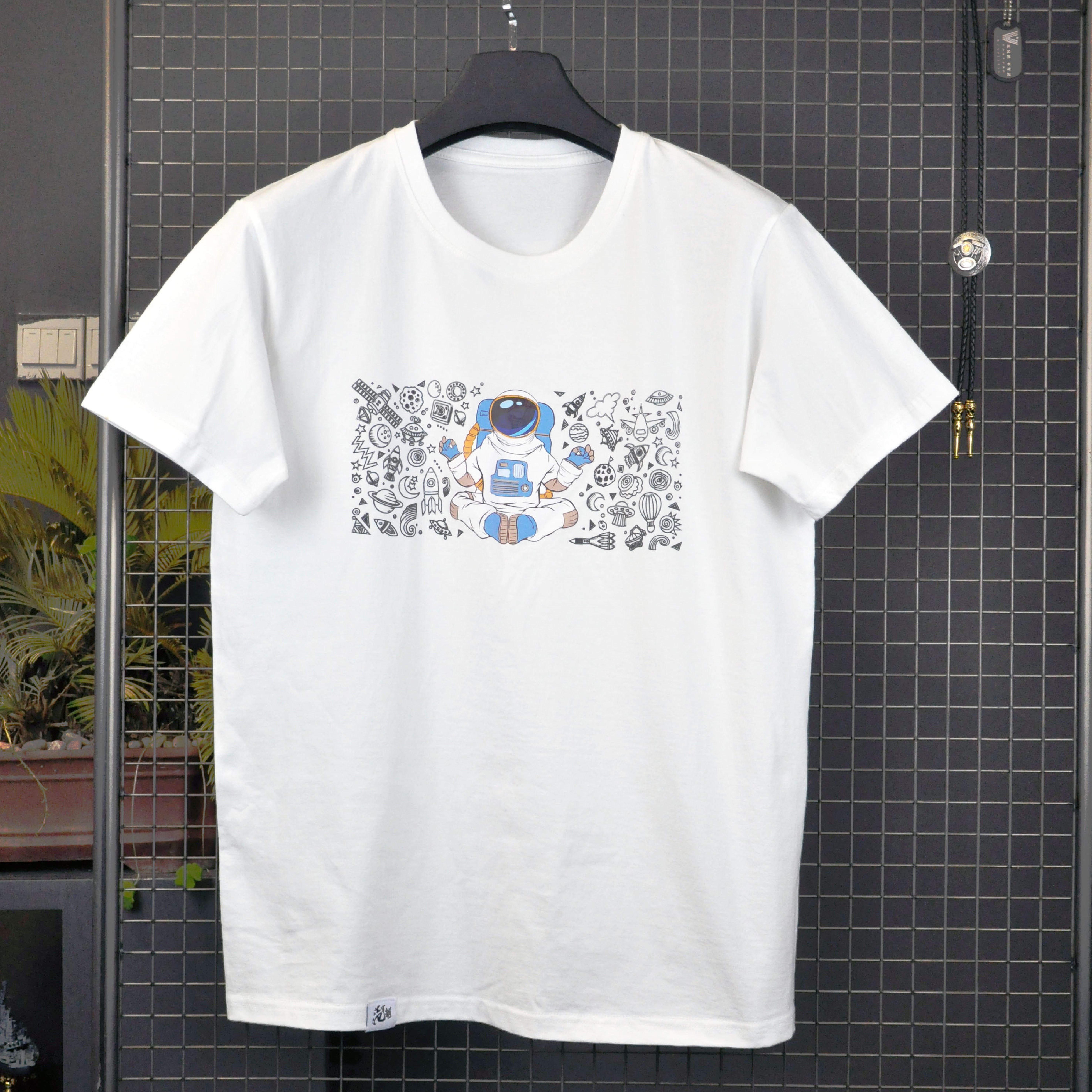 オリジナル2020年新型軍事トレンドデザインTシャツ趣味プリント丸首純綿半袖男性Tシャツ男性