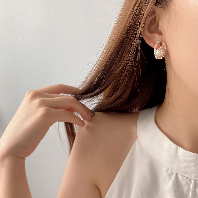 蚊香夹。高级感铜质月亮珍珠银针耳钉耳环无耳洞耳夹无痛不掉