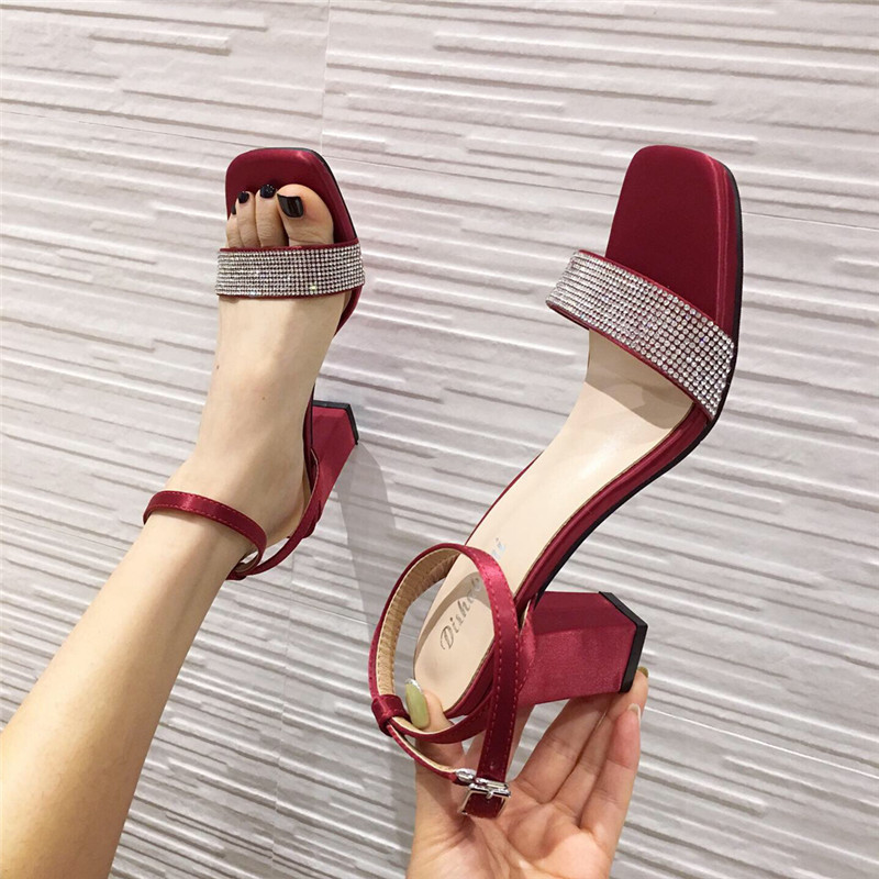 Spring and summer 2020 new ankle buckle design high-heeled sandals Korean fashion one word belt extremely simple sandals