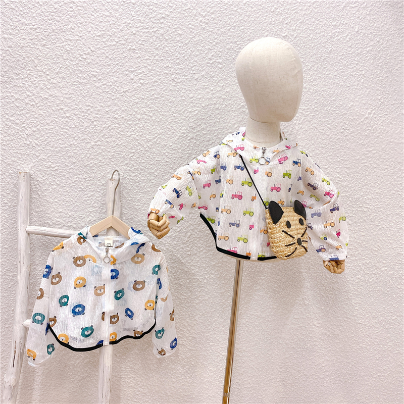 Sunscreen clothes for children girls spring summer autumn 2021 bat sleeve Cape hooded fashionable thin coat western style jacket