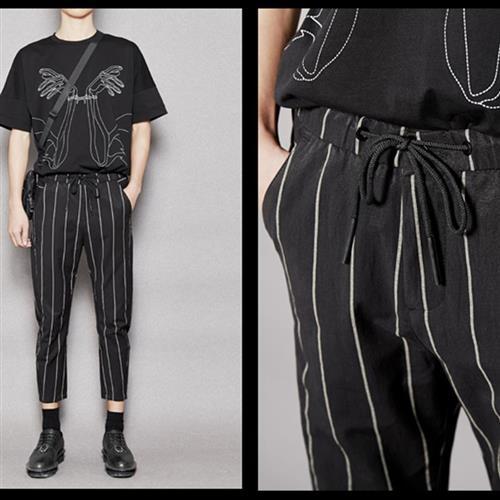 。 Hidden mens fashion British Korean style striped casual pants slim tapered small leg Capris mens fashion spring and summer