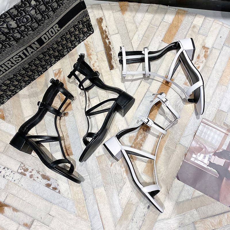 Summer 2020 new Korean version of thick heel one word belt ROMAN SANDALS fairy style with hollow high top cool boots