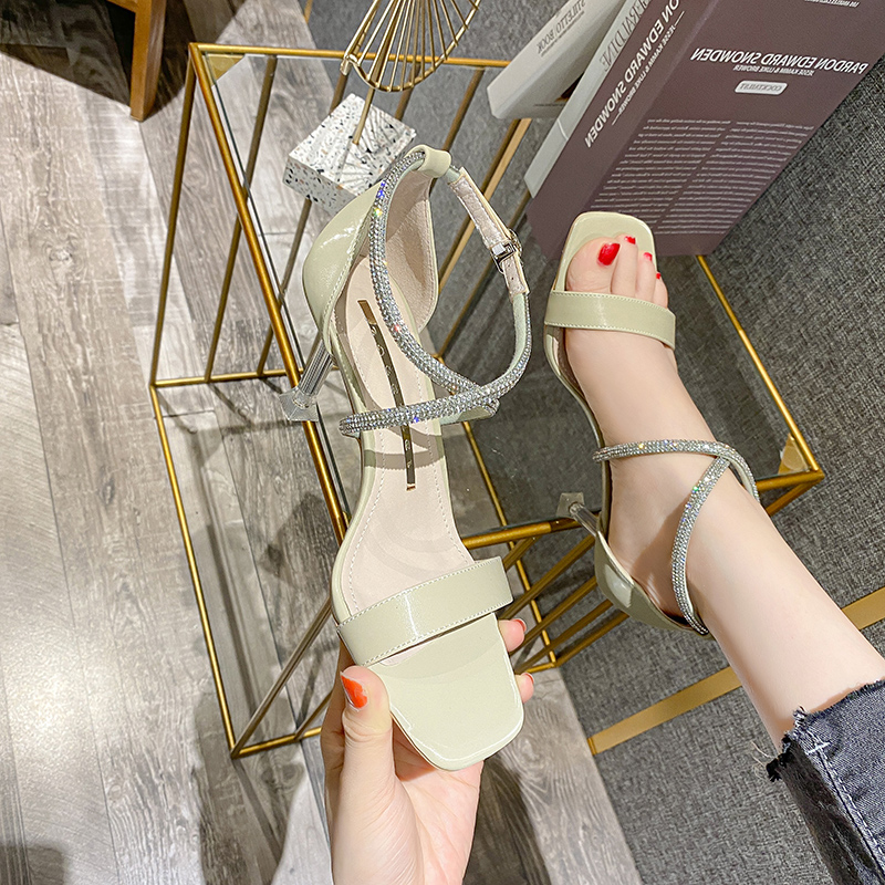 2021 summer new Korean version one line water drill with thin heel, versatile daily girl style sandals, square head high heels