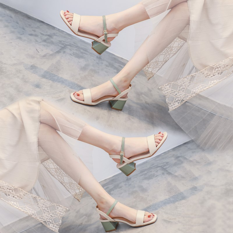 Summer sandals, fairy wind, middle heel, thick heel, 2020 new womens shoes, INS fashion, one word buckle high-heeled sandals