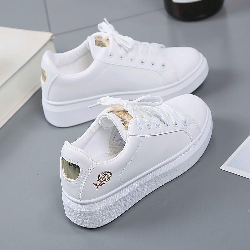 2020秋季新款小白鞋女透气春秋百搭板鞋学生皮面增高平底运动潮鞋
