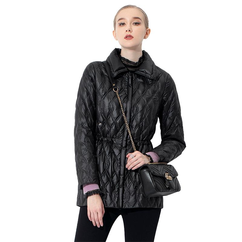 羽绒服女薄款冬季2021年新款收腰白鸭绒轻薄黑色时尚潮流