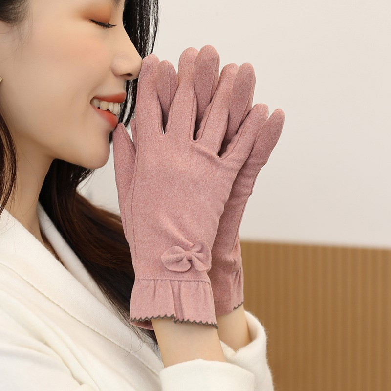 Glove female autumn autumn and winter can touch screen mobile phone driving gloves autumn thin mom warm Korean version.