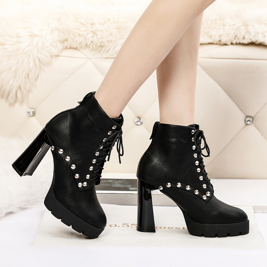 2021 Chelsea short boots womens thick soled Martin boots show thin thick heels high heels sexy rivet lace up womens Boots