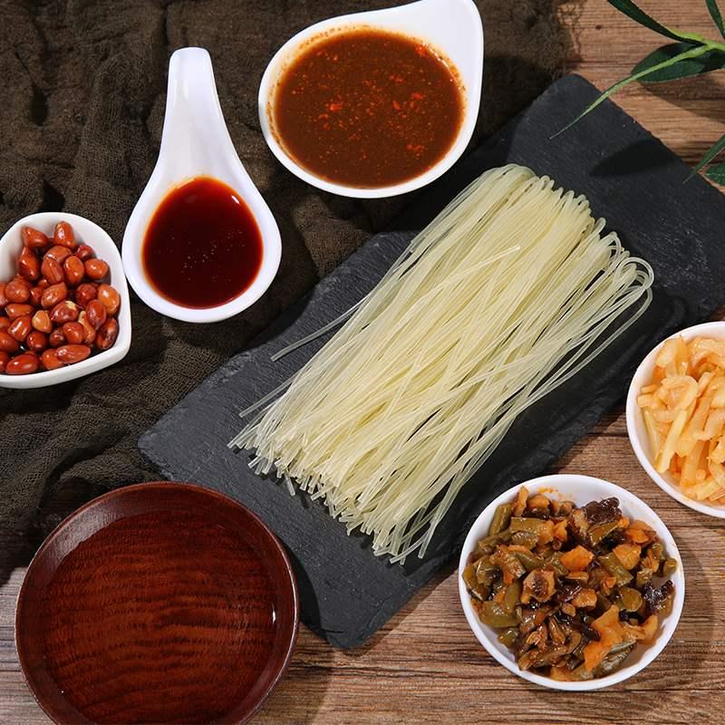 Snail powder spot Guangxi Liuzhou specialty self boiled bag convenient instant hot and sour screw powder mule lion powder