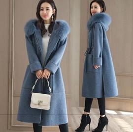 赫本风斗篷女装毛呢外套大衣女中长款收腰系带蓝色妮子大毛领冬装