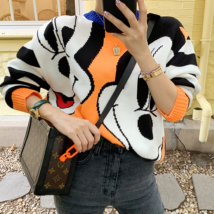 South Korea East Gate autumn winter ins net red round neck contrast sweater womens Mickey pattern loose playful T-shirt