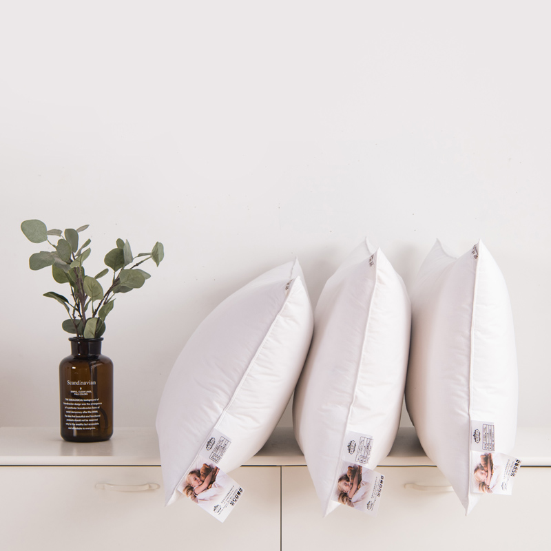 星ランクのホテルの枕鴨絨の枕芯の学生は羽の枕を枕にします。