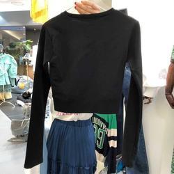 卫衣女春秋薄款黑色长袖短款上衣2020新款露脐装泫雅风修身小个子
