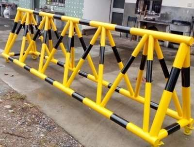Anti collision barrier moving barrier traffic unit school gate barrier isolation facilities with thorns