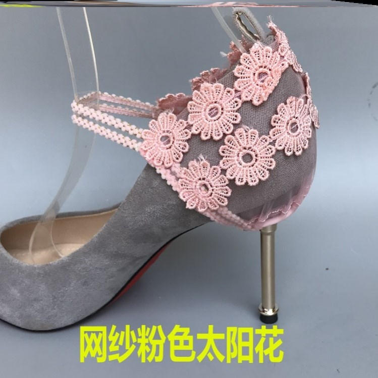 The back shrinks to adjust the elastic band laces. Lace high heels let go the anti dropping heel laces. No trace buckle decoration