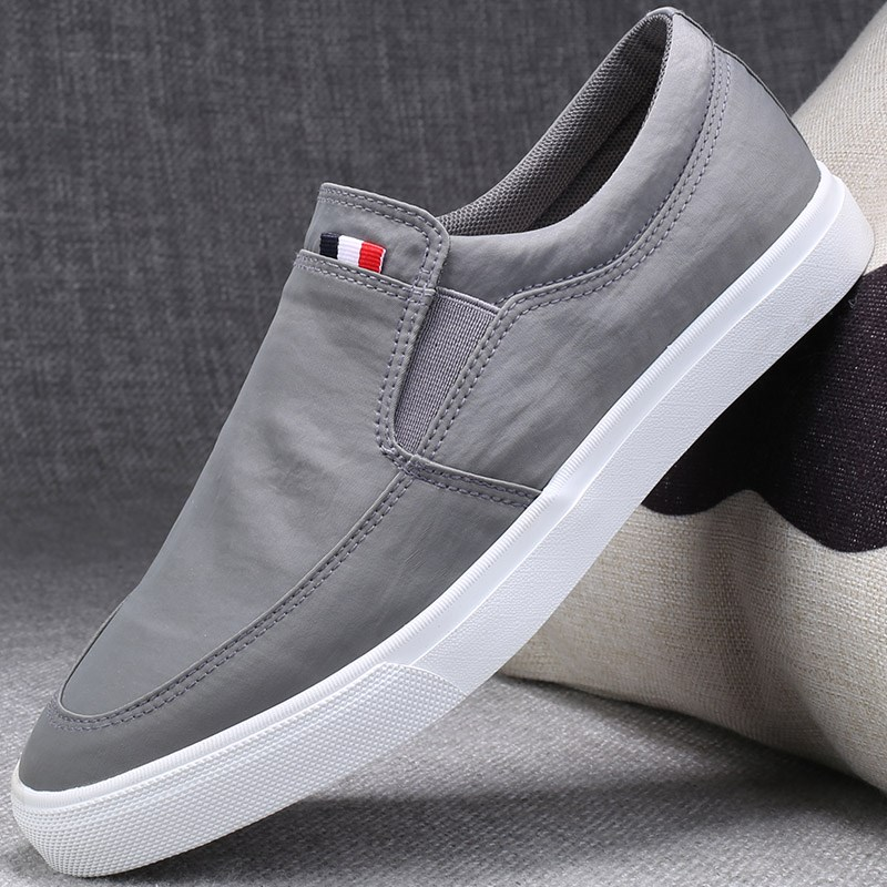 . Mens canvas shoes in autumn and summer