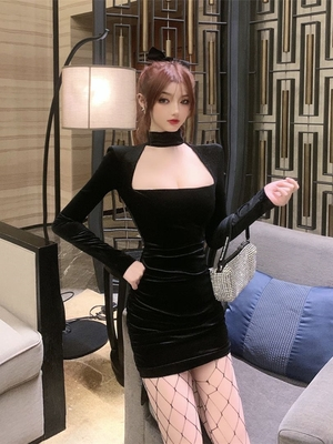 New sexy square neck long sleeve velvet Bib dress in autumn and winter 2020