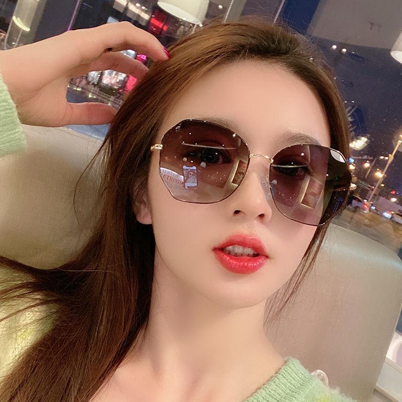 女士太阳镜新款偏光防紫外线墨镜韩版网红同款眼镜圆脸社会霸气GM