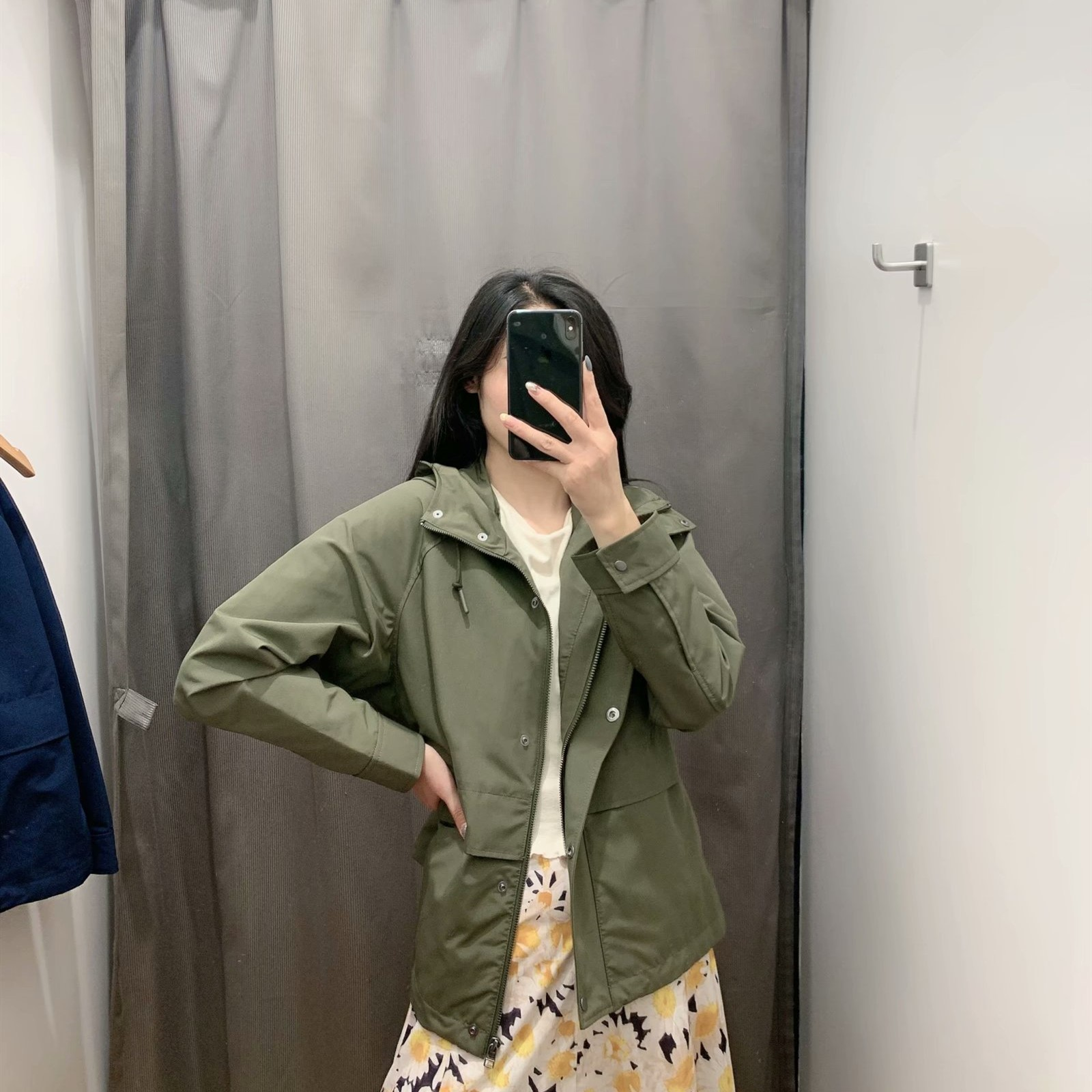 Fitting room fall 2020 new BF short sports coat Hong Kong Wind work clothes loose hooded jacket women 429492