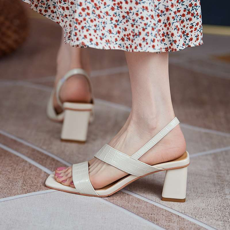 2021 summer new leather thick heel open toe sandals with white high heels square toe shoes childrens Roman shoes