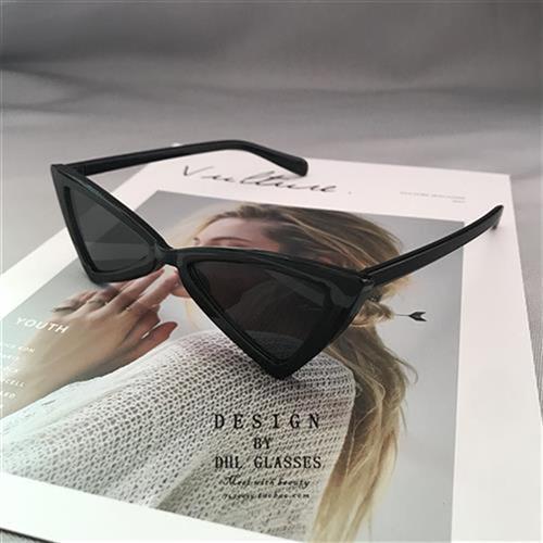 2020 New Europe I beauty cat glasses retro triangle Eye Sunglasses net red same quadrilateral butterfly eye