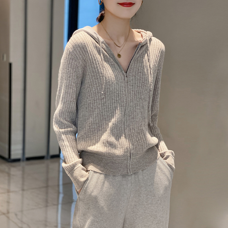 Hooded sweater knitted Cardigan Jacket Womens loose high neck zipper knit 2021 spring and autumn lazy wind outer jacket