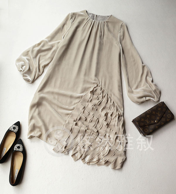 Day alone heavy industry too amazing silk lotus C leaf lace skirt retro Lantern Sleeve Silk Velvet Jumpsuit