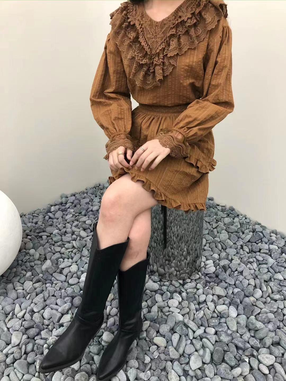 Autumn 2021 new feminine design sense of minority lace lotus leaf bubble sleeve small womens shirt